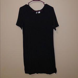 Smal black t shirt dress